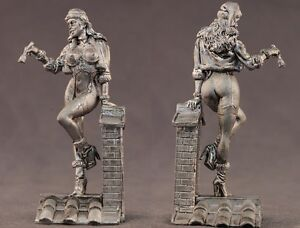 tin toy soldiers unpainted  Pegaso Girl 80mm  Belly