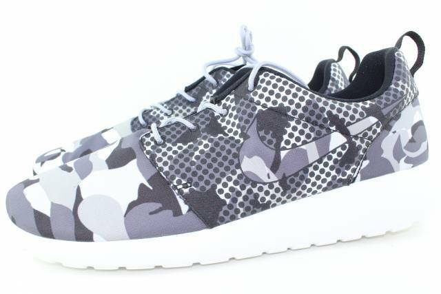 Nike Roshe Run Print Men Size 7.5 Summit White New Rare Authentic Comfortable