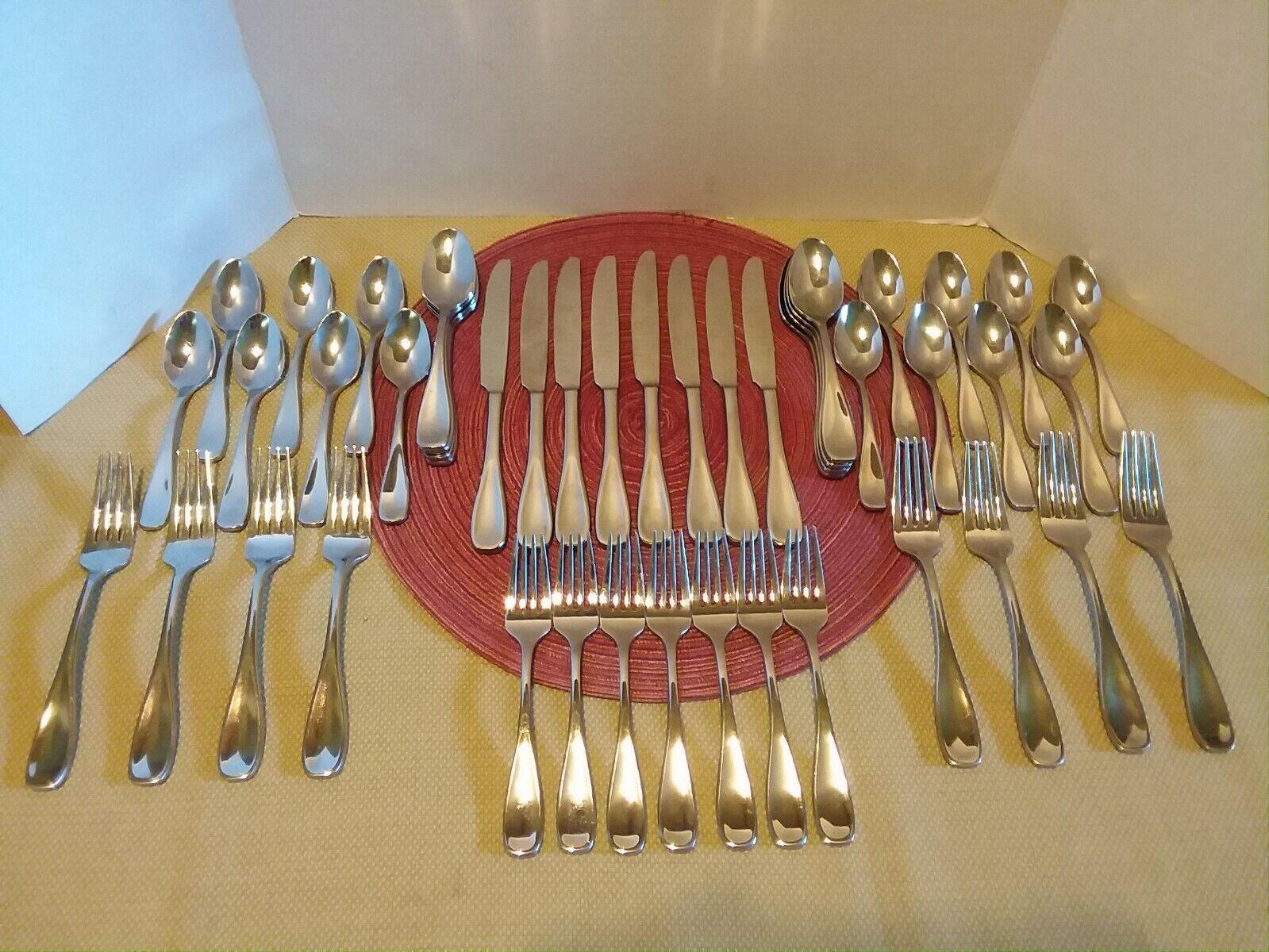 Oneida Voss H003045A 46 Piece Set Service For 8