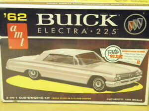 1:25 1962 BUICK ELECTRA 225 AMT AMT-614