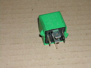 Rover-45-MG-ZS-1999-on-Green-relay-YWB10032