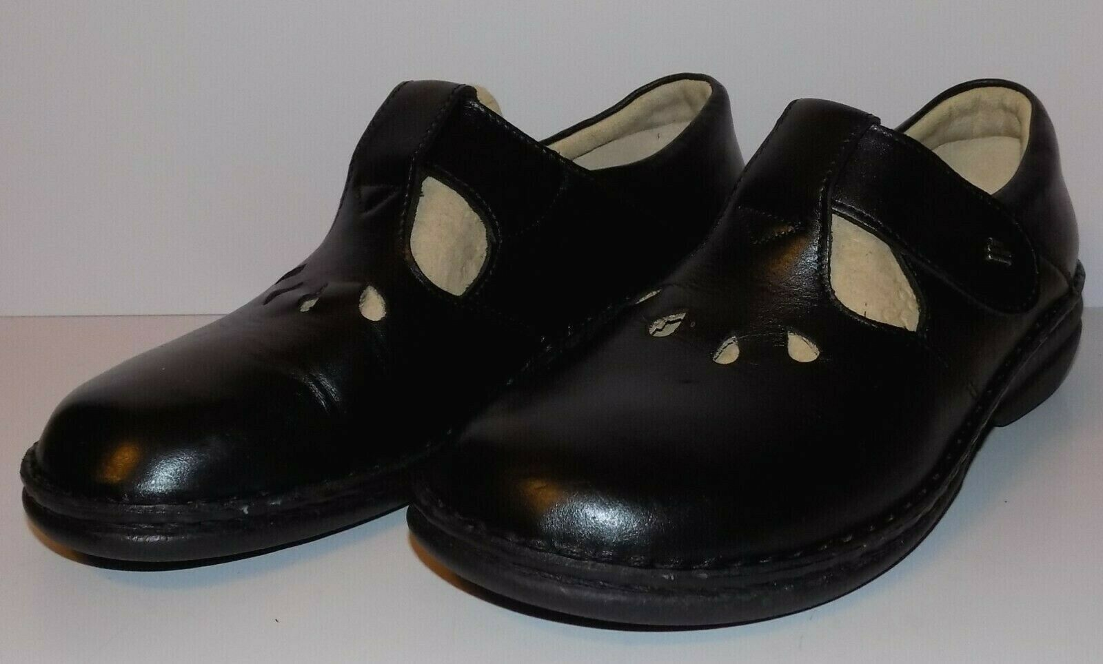 BARELY WORN FINN COMFORT TOFINO LEATHER MARY JANES SIZE 8.5 US/39 EUR!