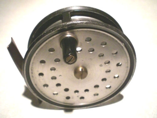 FINE VINTAGE FARLOW 3 1 2  CONTRACTED FLY REEL