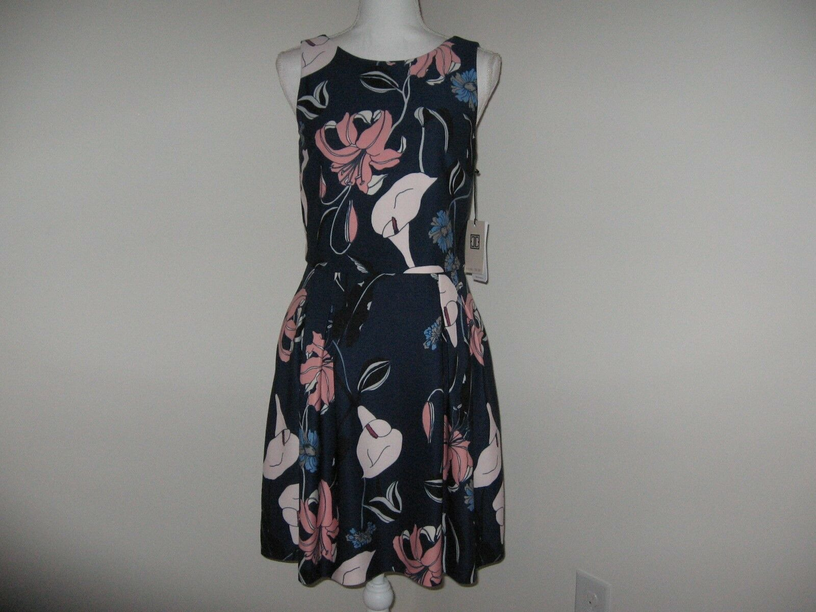 Ivanka Trump Floral-Print Popover Dress for Woman Size 2 12  NWT 138