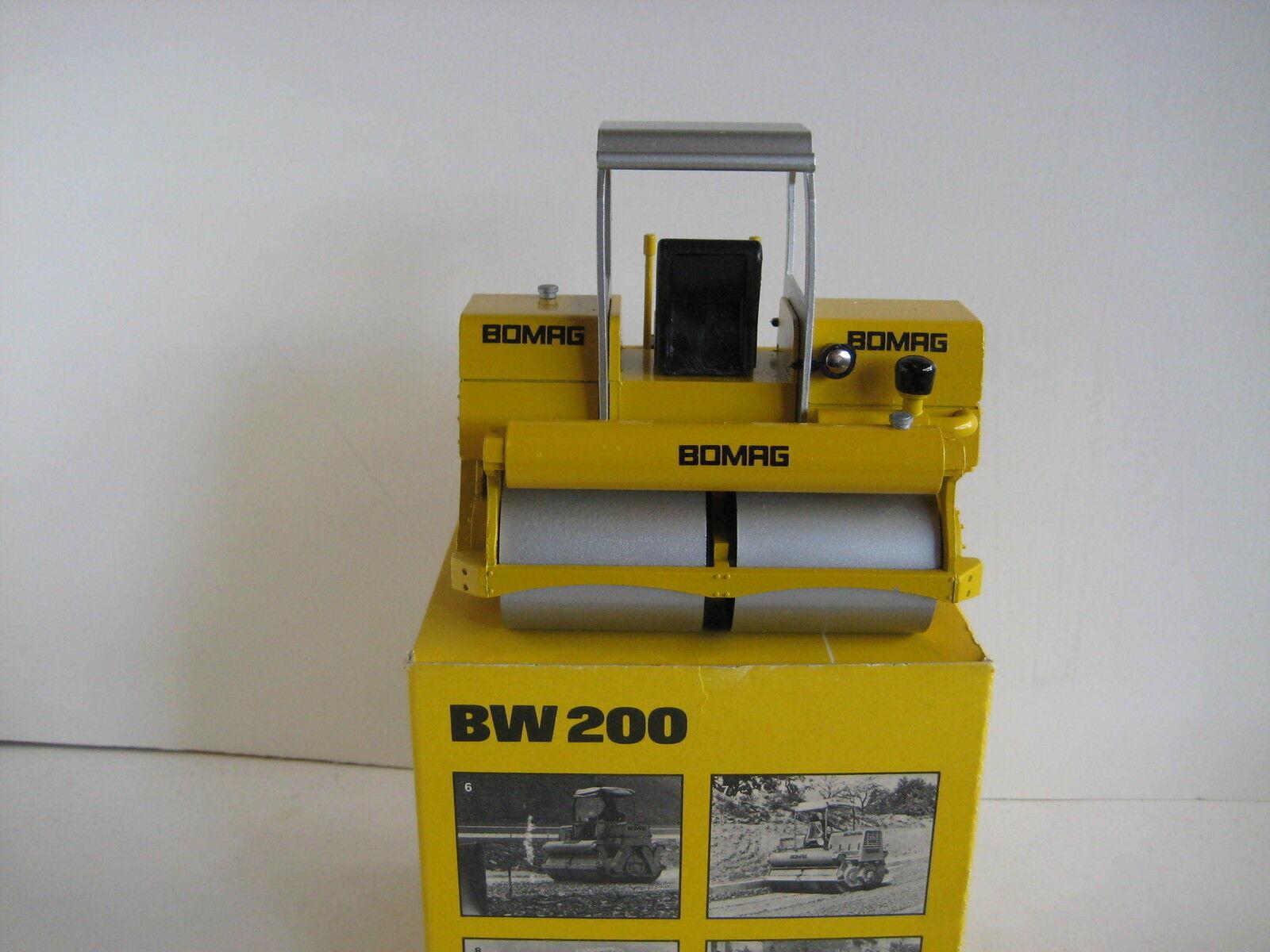 BOMAG BW 200 Rouleau  2950.2 Conrad 1 24 neuf dans sa boîte