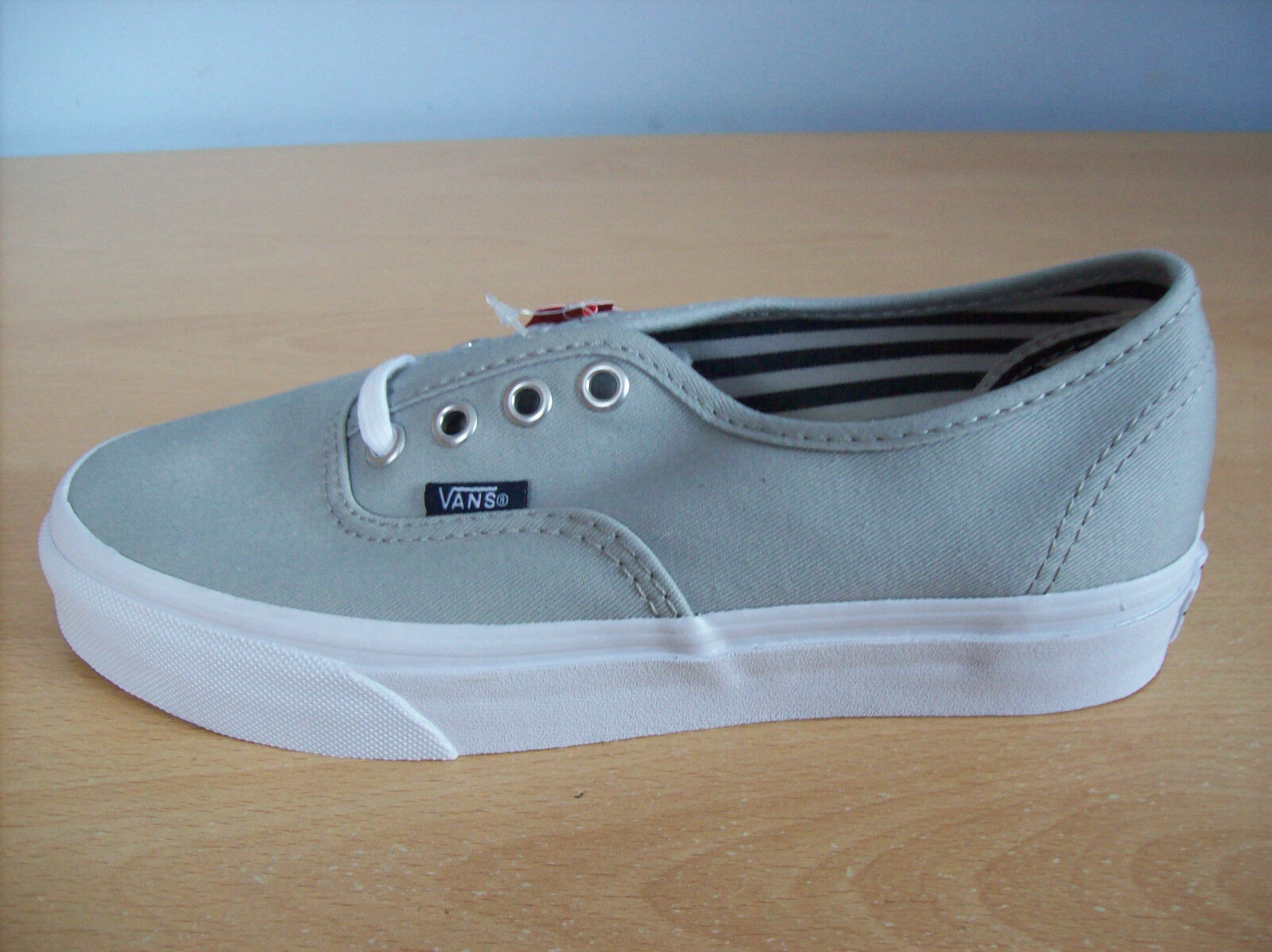 Baskets Vans Vans Baskets Unisexe Authentique Chaussures De Skate Low Top Baskets Gris UK 3.5 neuf + étiquettes 0cc387
