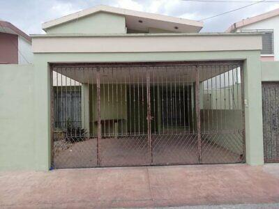 Casa de 4 recamaras en renta en col Mexico Nte
