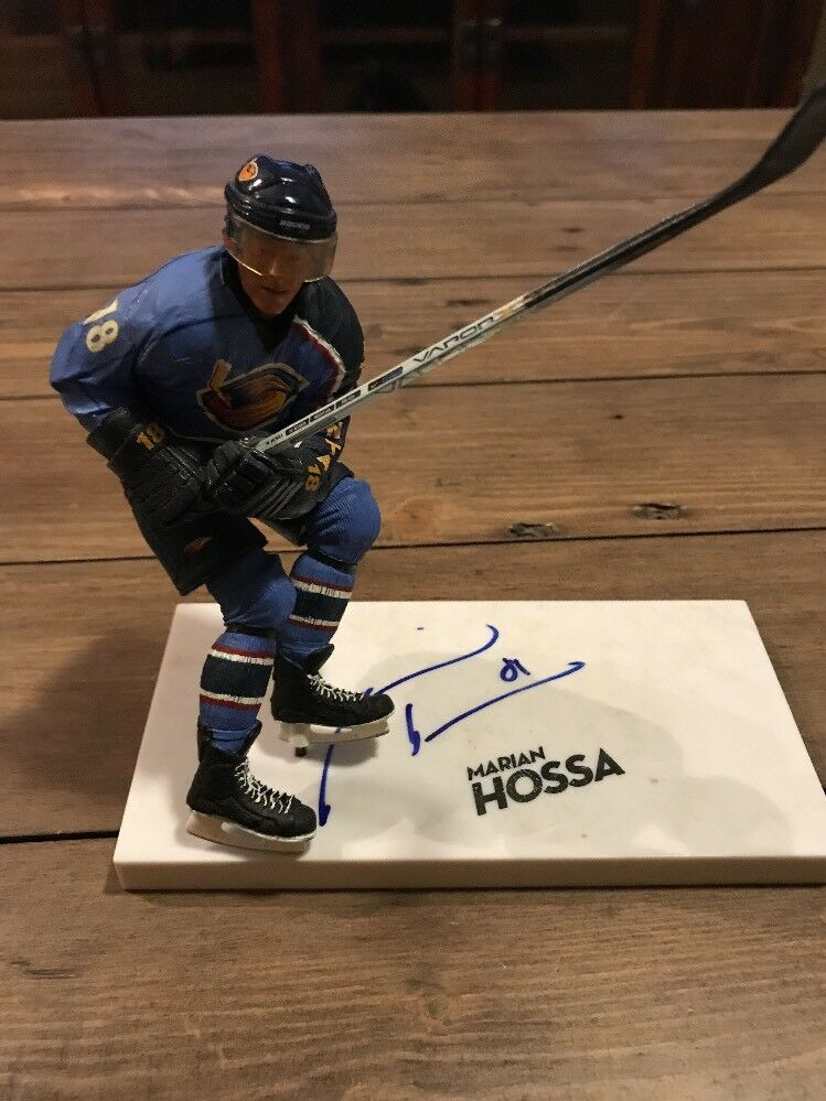 Signed Marian Hossa  Mcfarlane  NHL  Series 14  Figure Autographed