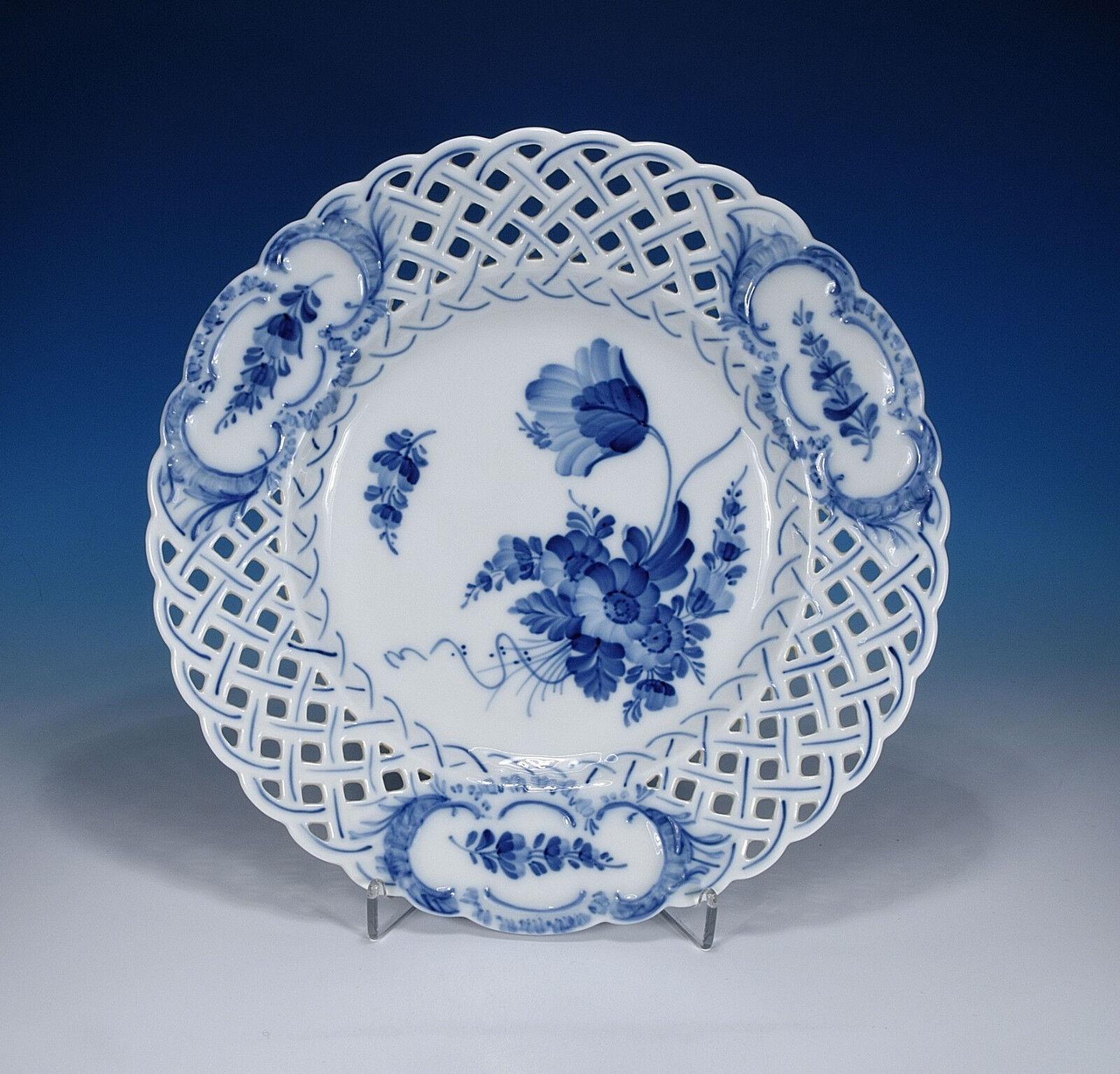Royal Copenhagen   Fleur Bleue     Assiette Percée 24 Cm. 1.wahl