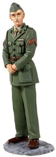 BRITAINS SOLDIERS 13003 - U.S. Marine in Green Winter Service Dress, WWII