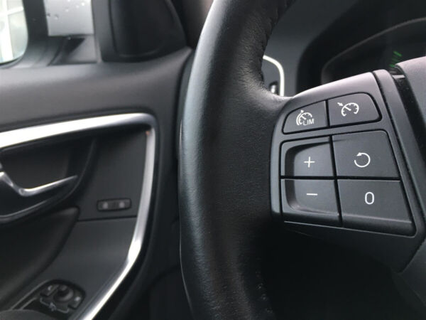 Volvo V60 2,0 D3 150 Kinetic aut. billede 12