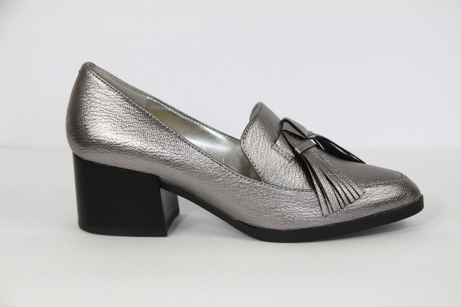 Marc sz Fisher Loafers Womens Shoes Tassels Faux Leather sz Marc 8.5 Heel Pewter New 31b6cc