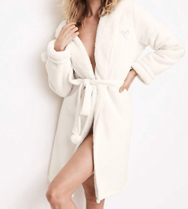 NWT VICTORIA'S SECRET COZY HOODED SHERPA-LINED PLUSH LUXURY ROBE IVORY WHITE M L