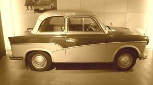 Zierleisten-Satz-fuer-Trabant-500-P50-1-GESCHWUNGENE-Ausf-Alu-NEU-inkl-Schrauben