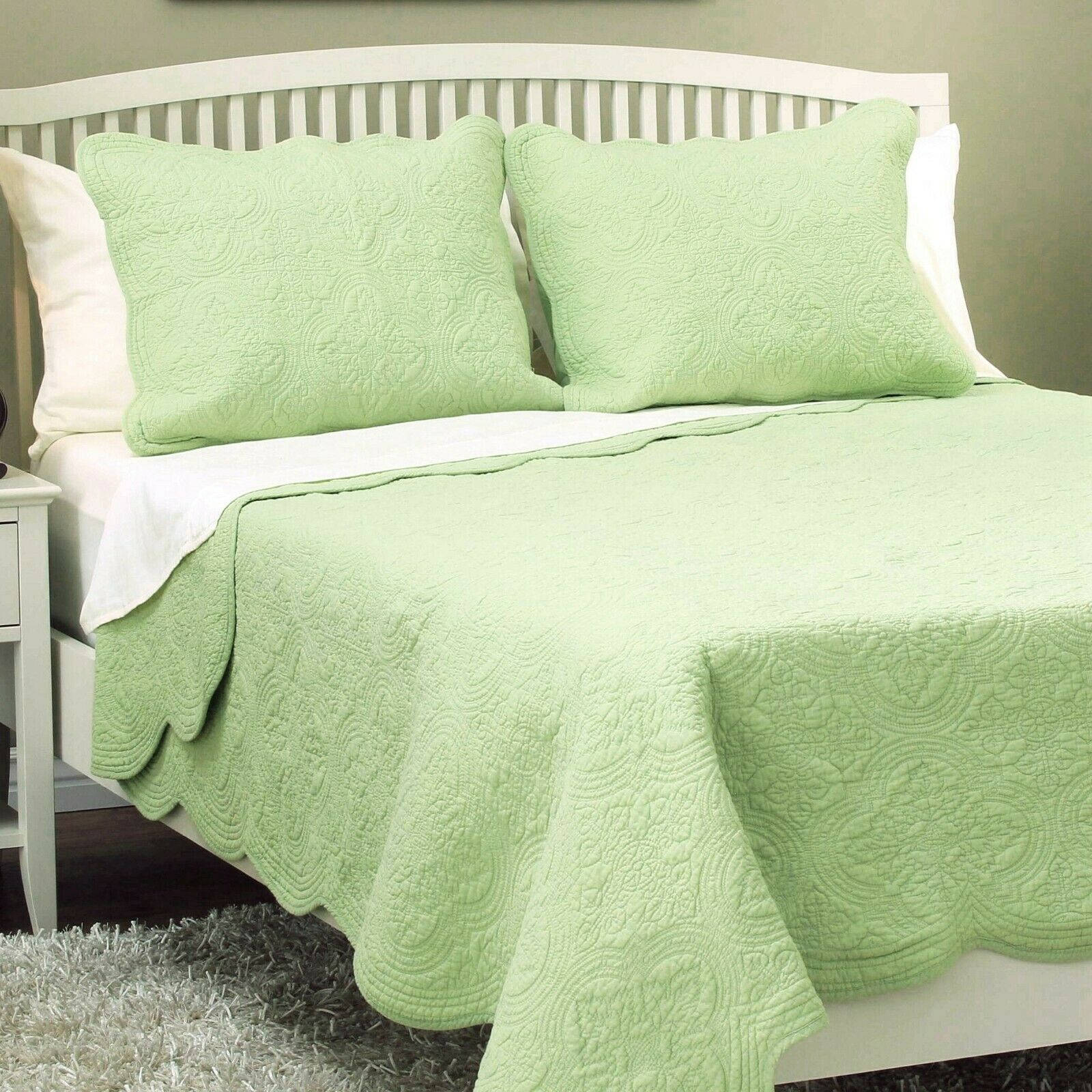 Mael Green Scalloped Edge Reversible Cotton Quilt Set, Bedspreads, Coverlet