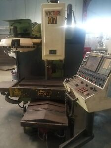 Details about CNC VICTOR MILLING MACHINE WITH FANUC SERIES O-M CONTROL PANEL