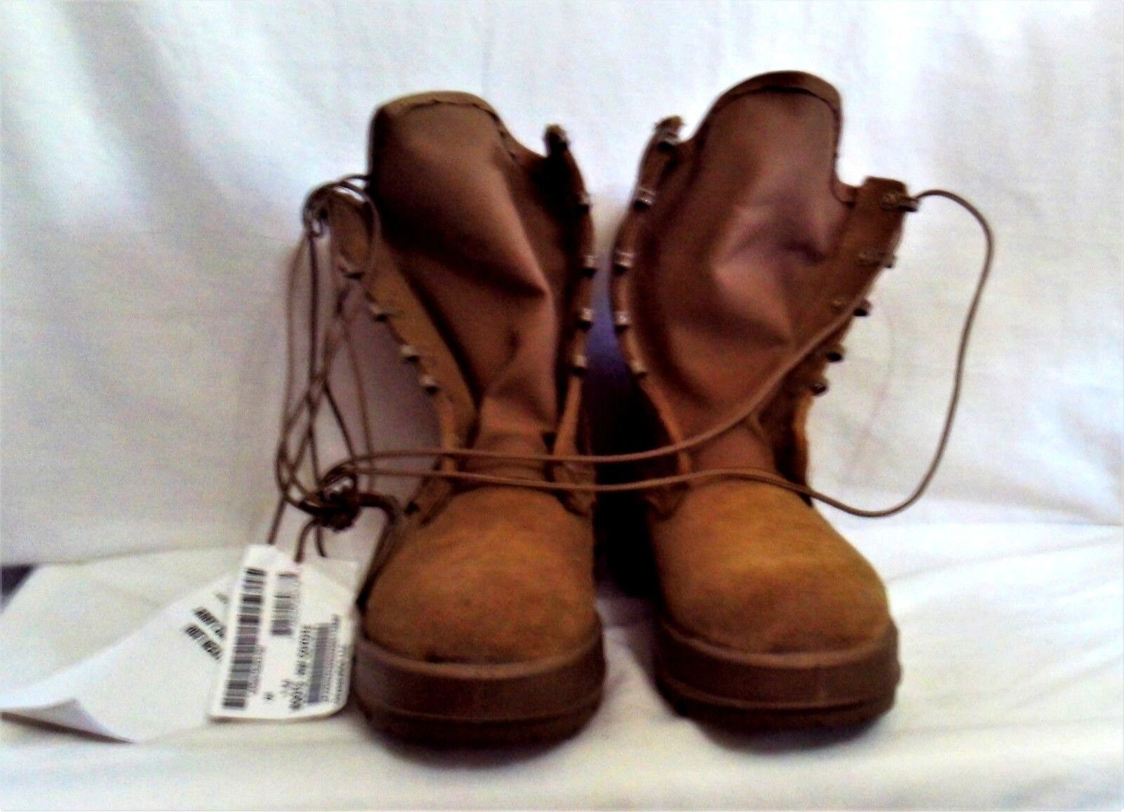 US Army Issue Combat Boots Hot Weather Size 7 R Unworn Coyote