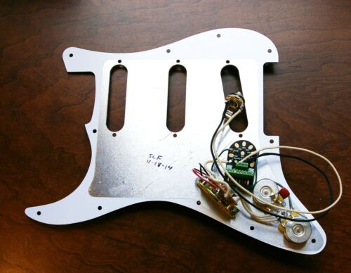 New Seymour Duncan BYOP Loaded Solderless Liberator Strat Pickguard White 11Hole