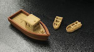 Outland Models Modelleisenbahn großes Fischerboot mit 2 kleinen Booten Spur H0