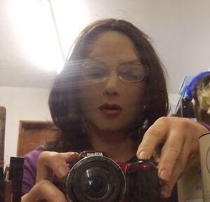 LATTICE-realistica-con-maschera-viso-donna-capelli-CASTANI-associato