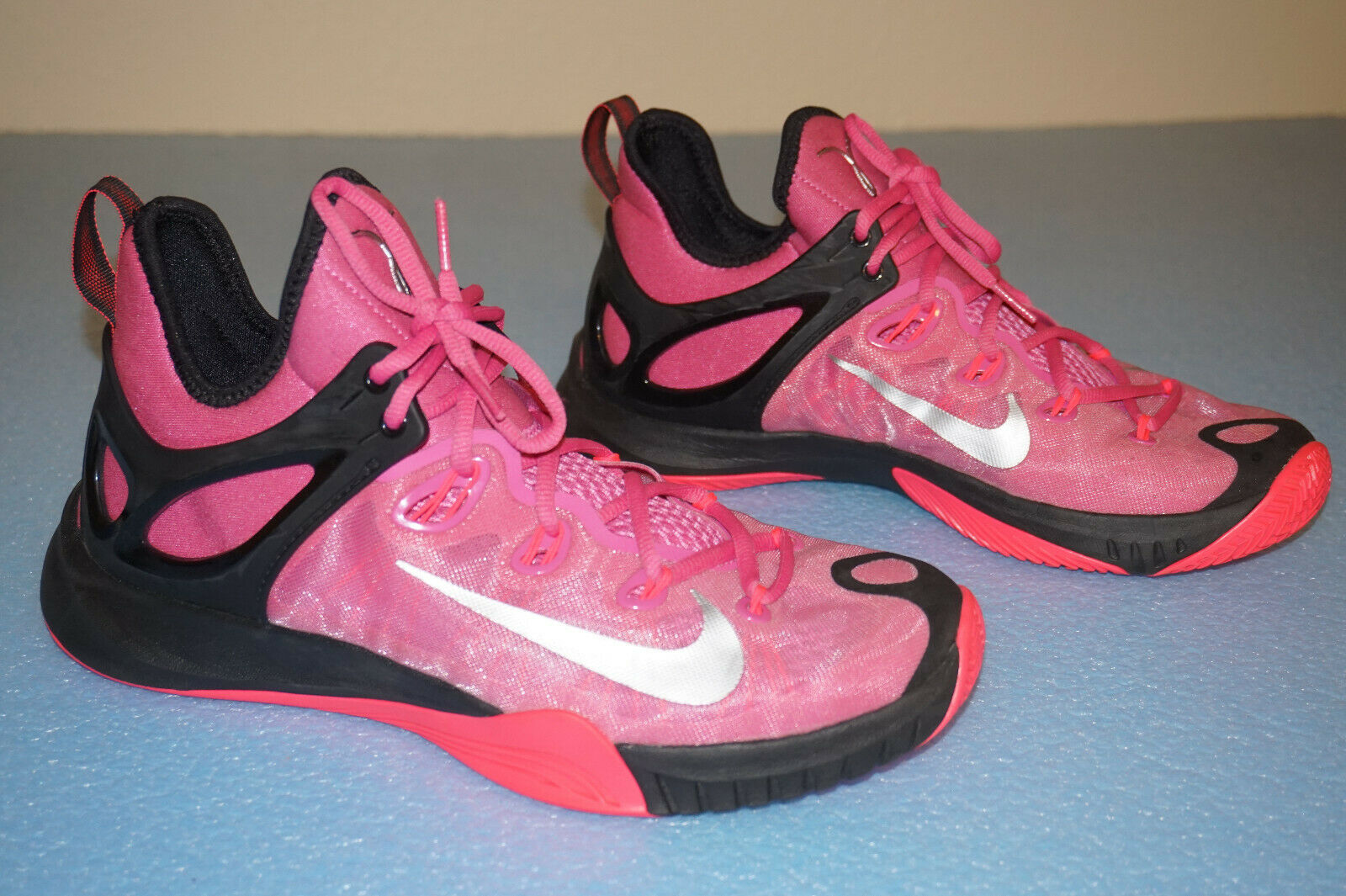 Nike Zoom Hyperrev Breast Cancer Awareness Premium Basketball shoes Men's Size 8