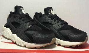 brand new 913ae a95e5 Image is loading Nike-Womens-Size-6-Air-Huarache-Run-Premium-