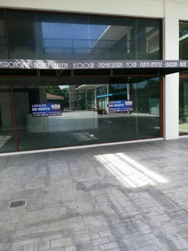 Local 214 Plaza Coba
