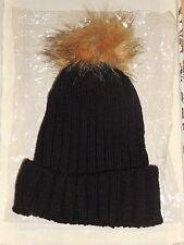 Bonnet acrylique noir avec pompon fourrure Neuf