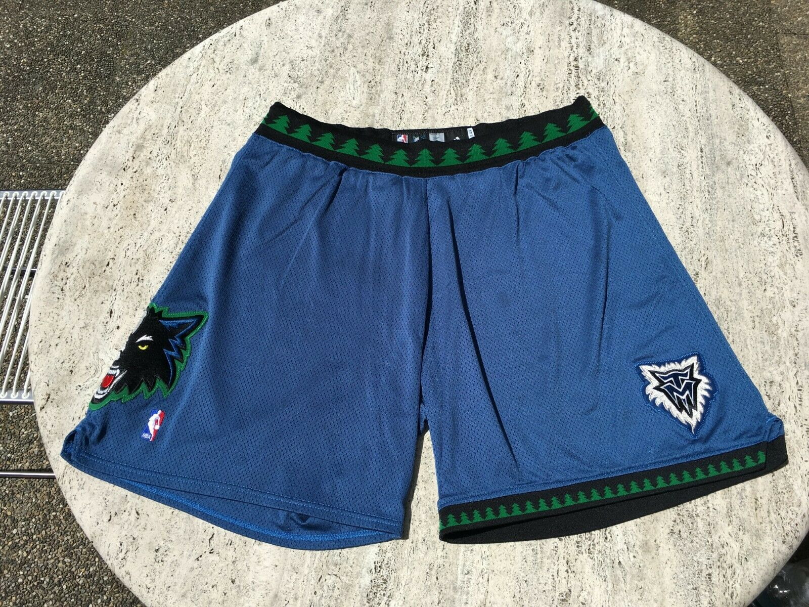 Adidas GAME WORN Minnesota Timberwolves korts CraIG SMITH NBA 44