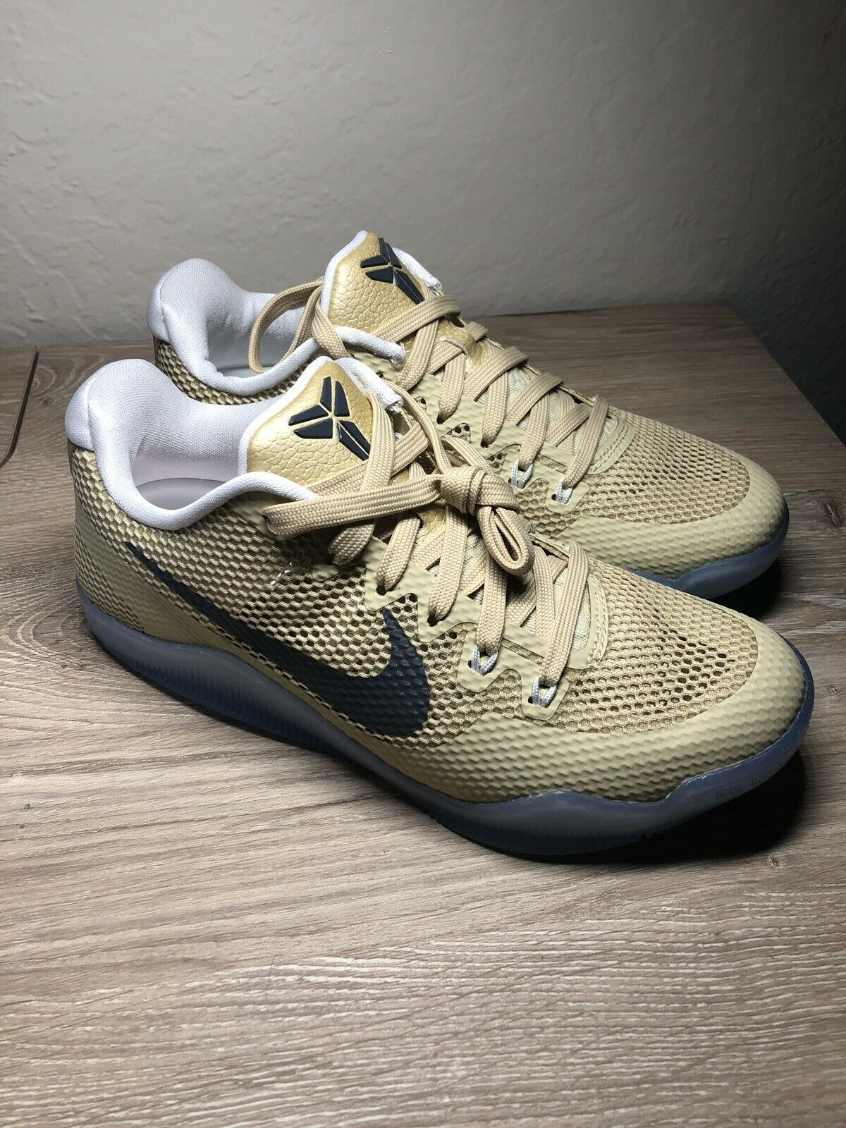 Nike Kobe 11 TB Promo Team gold Basketball shoes Men's Sz 5.5 856485-701 Frosted