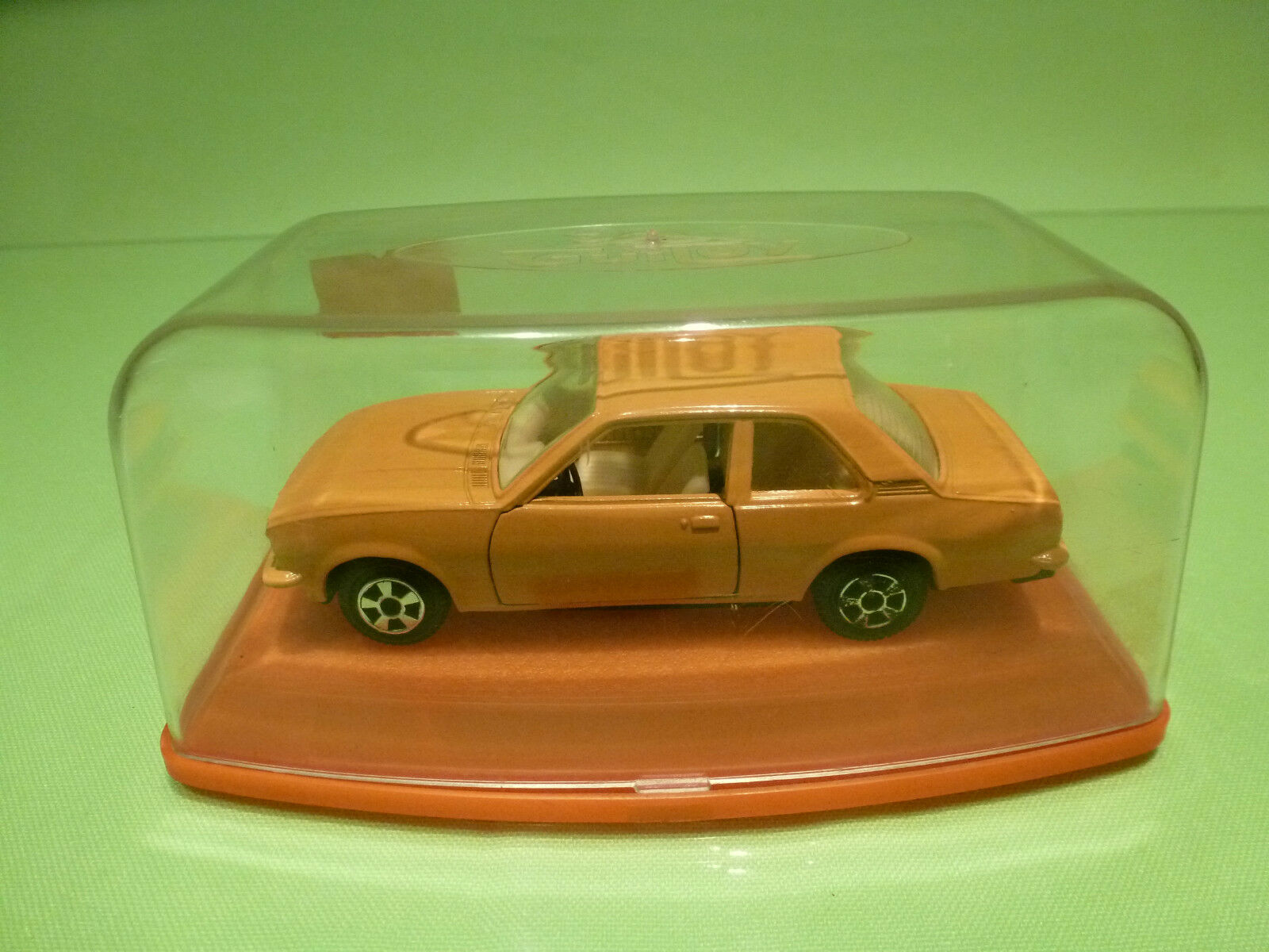 GUILOY OPEL ASCONA - YELLOW 1 43 - VERY GOOD CONDITION IN BOX