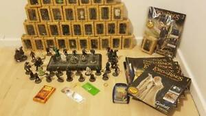 LORD-of-the-RINGS-EAGLEMOSS-COLLECTORS-MODEL-FIGURES-STILL-IN-BOXES-WITH-MAG