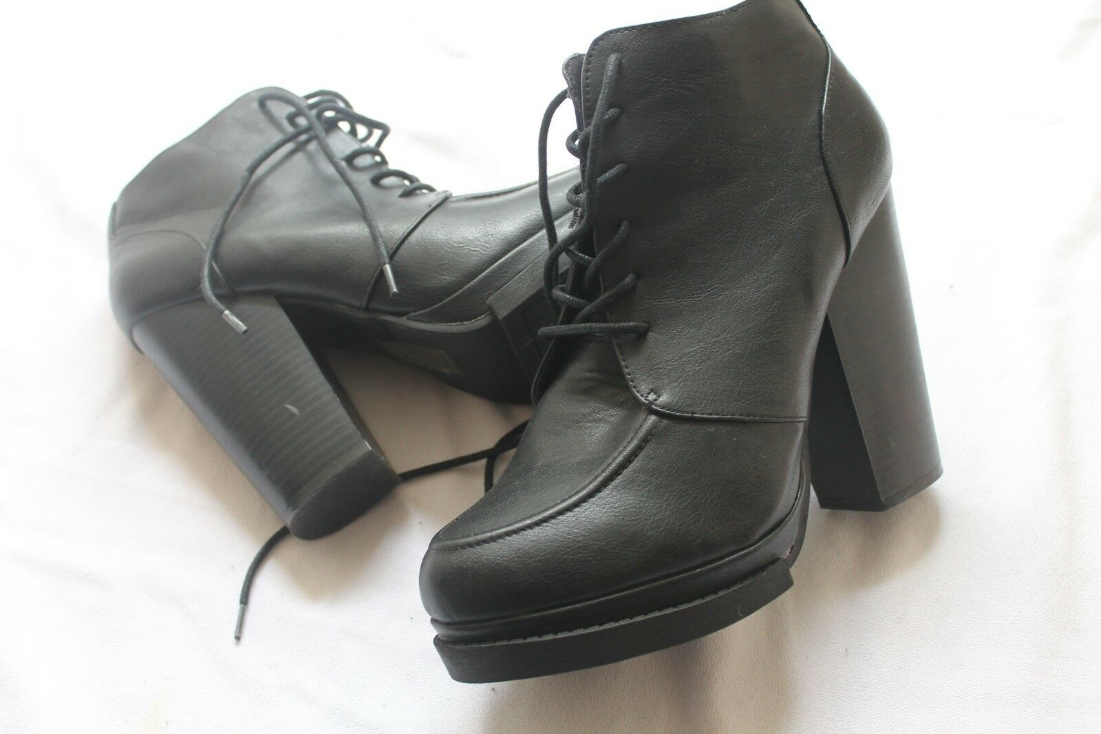 Mami By Madison Black Chunky Platform Lace Tie Up Boots Size 9.5 10