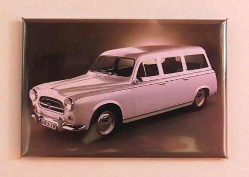 SUPERBE Magnet Aimant Peugeot 403 Familiale 1956 Long 78 mm Haut 54 mm Neuf