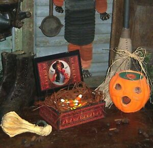 Primitive-Antique-Vtg-Style-Halloween-Witch-Bat-Black-Cat-Pencil-Candy-Box-AS-IS