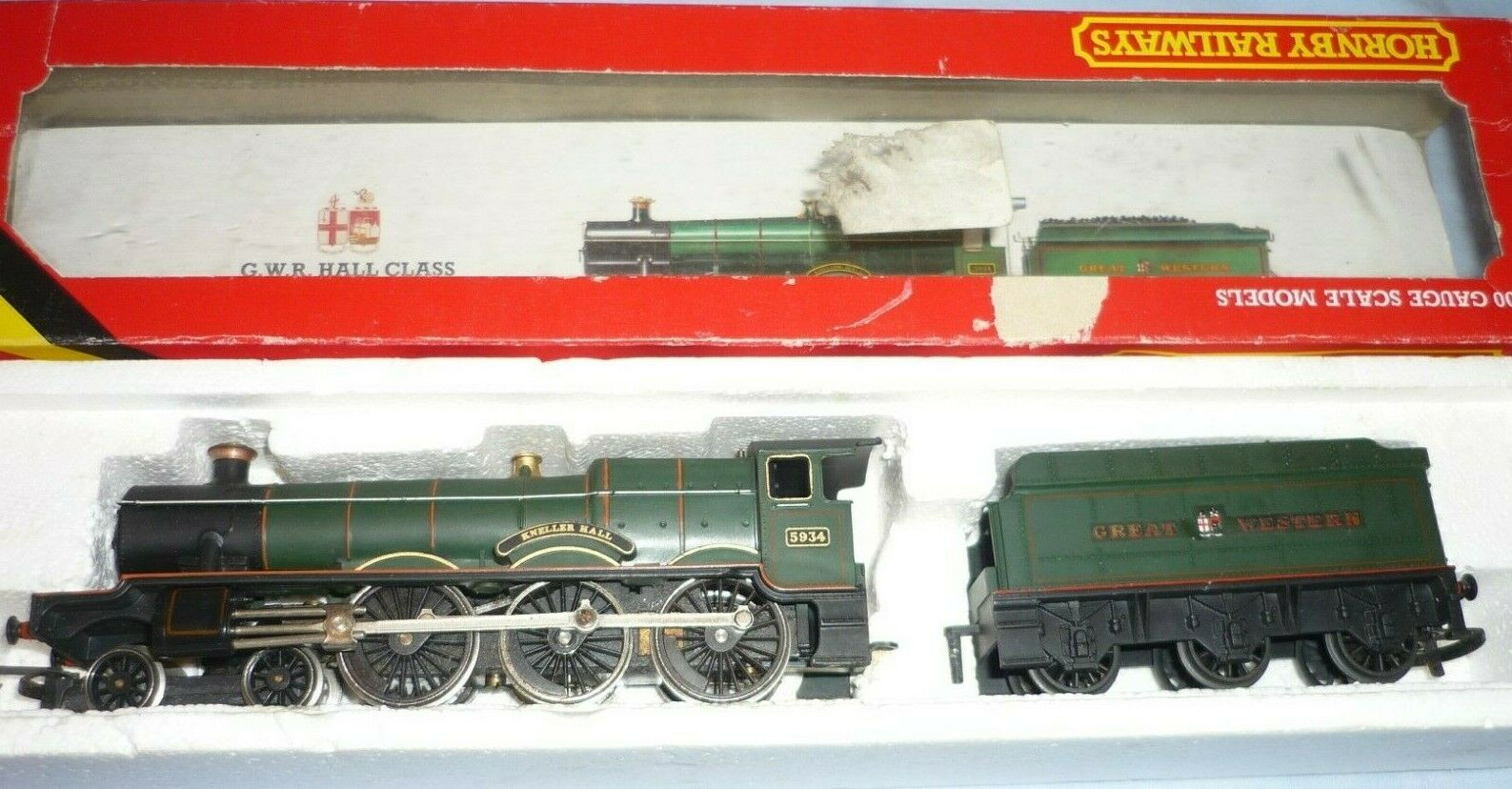 HORNBY OO GAUGE BR HALL CLASS 4-6-0 TENDER LOCO 5934 KNELLER HALL R761 BOXED
