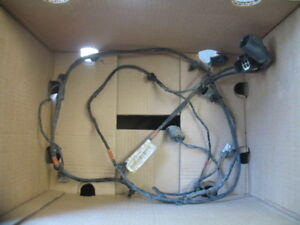 Range-Rover-Sport-Rear-Parking-Sensor-Wiring-Loom-YMQ500782