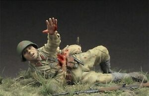 1-35-Scale-Resin-Model-Soviet-Wounded-Soldier-Disassembled-And-Unpainted-Kit