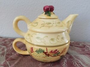 Tea-for-one-Floral-with-Autumn-Leaves-by-Designpac-Beautiful-Teapot