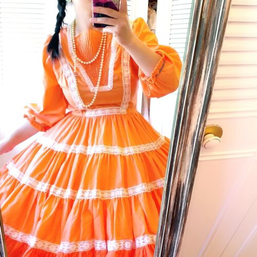 VINTAGE ORANGE SQUARE DANCE DRESS