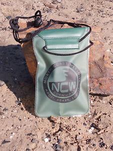 100-Waterproof-bag-for-keys-triple-lock-iphone-smartphone-small-camera-etc