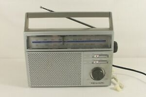 REALISTIC-12-717-AM-FM-portable-radio-ref-C-977