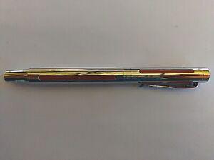 Stylo plume argenté - Neuf - Plume plaquée Argent - Pointe en iridium...