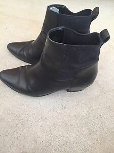 Nine-West-Black-Leather-Boots-Size-7