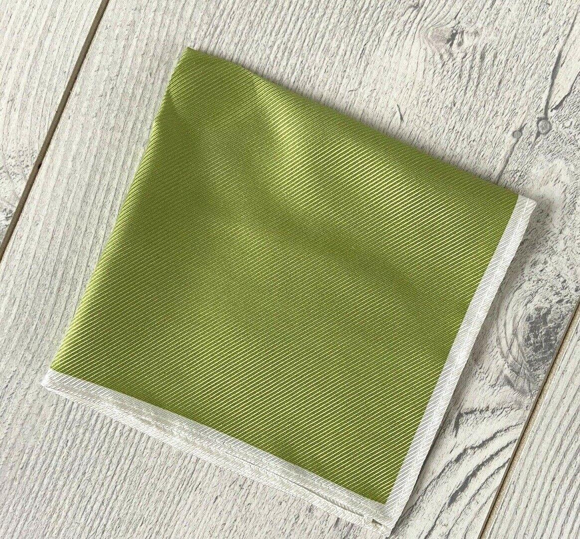 Lujo Seda Bolsillo Cuadrado Pañuelo Cortados M&S Verde