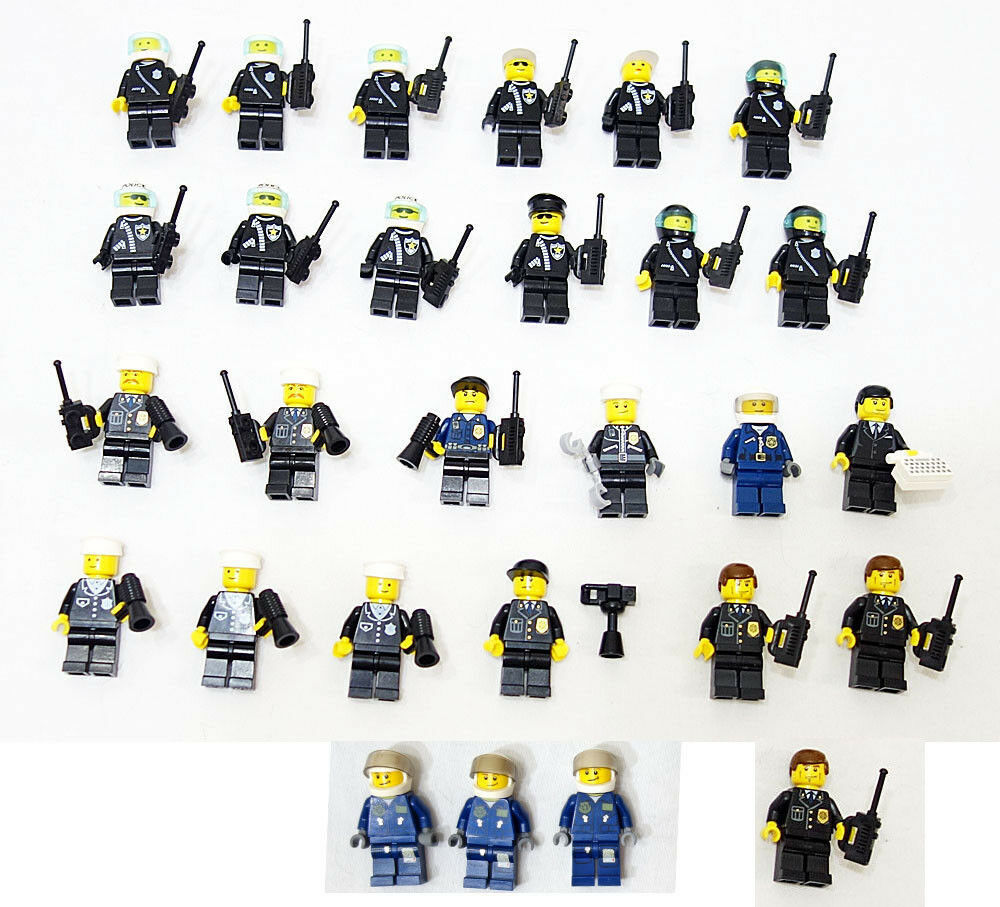 LEGO City/Town Lot of 28 Complete Police Force MiniFigures w/ Accessories Nice