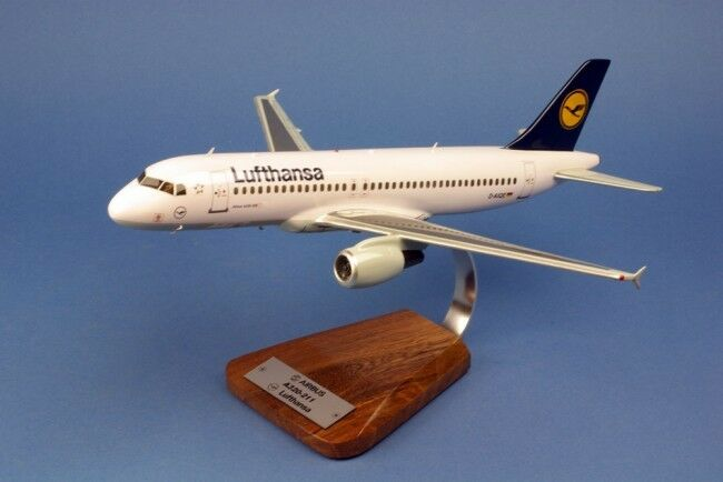 Airbus A 320 D-AIQE Lufthansa Huge   AVION   Aircraft  yakair  Wood Model