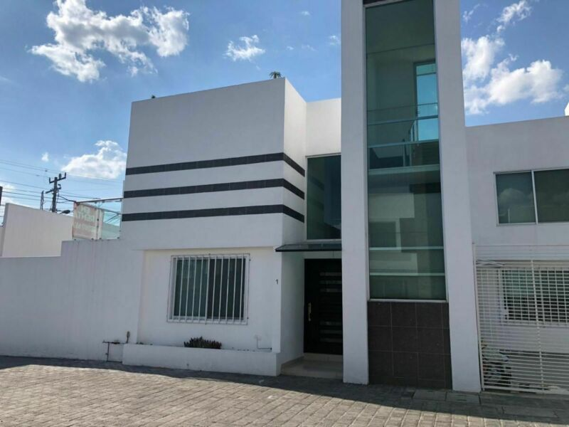 Casa en Renta con recámara en planta baja El Barreal, San Andrés Cholula