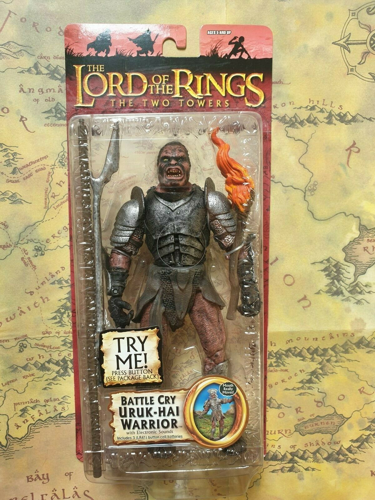LORD OF THE RINGS ACTION FIGURE Battle Cry Uruk Hai Warrior toybiz NEUF