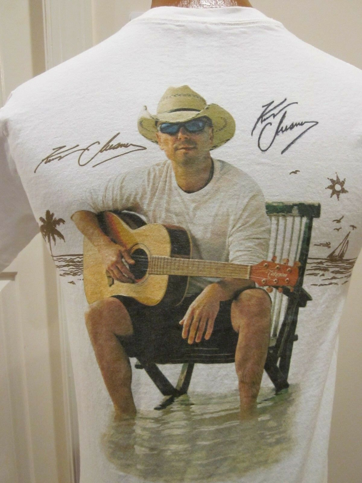 KENNY CHESNEY COSTA SUNGLASSES T SHIRT CIRCA 2012, WITH AUTOGRAPHS